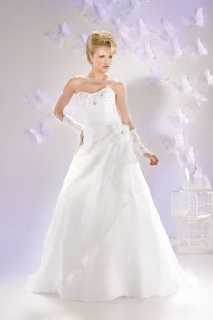 Robe de mariée 165-03 par Just For You collection 2016
