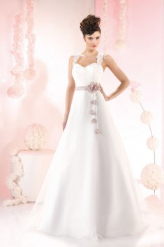 Robe de mariée 165-35 par Just For You collection 2016
