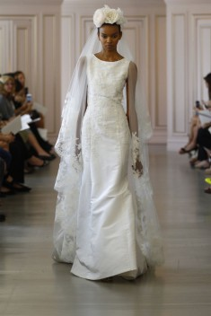 Robe de mariée Look 13 par Oscar de la Renta  collection 2016