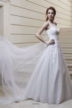 Robe de mariée Almeria par Priam collection 2016