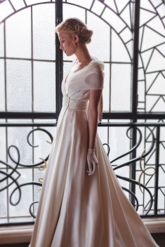 Robe de mariée Kelly par Fanny Liautard collection 2016