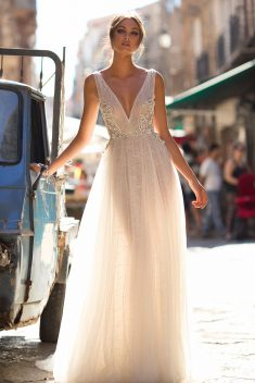 Robe de mariée Bailey par Berta collection Muse 2018 Sicily