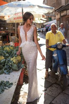 Robe de mariée Britney par Berta collection Muse 2018 Sicily