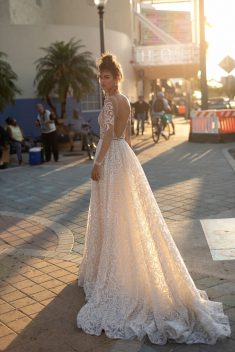 Robe Look 11 par Berta collection miami 2019