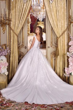 Robe de mariée Look 3 par Demetrios collection Platinum 2018