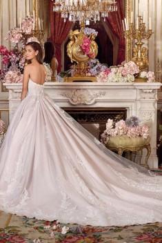 Robe de mariée Look 5 par Demetrios collection Platinum 2018