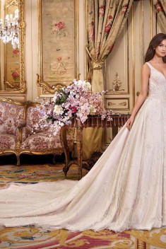 Robe de mariée Look 6 par Demetrios collection Platinum 2018