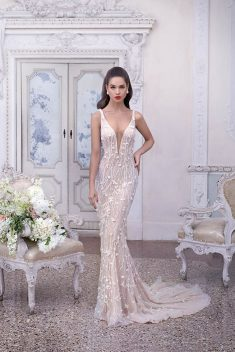 Robe Look 21 par Demetrios collection platinum 2019